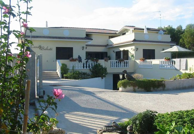 Villa a Isola di Capo Rizzuto - VILLA JANINE/BAHATI: AFFITTO CASE VACANZE CALABRIA