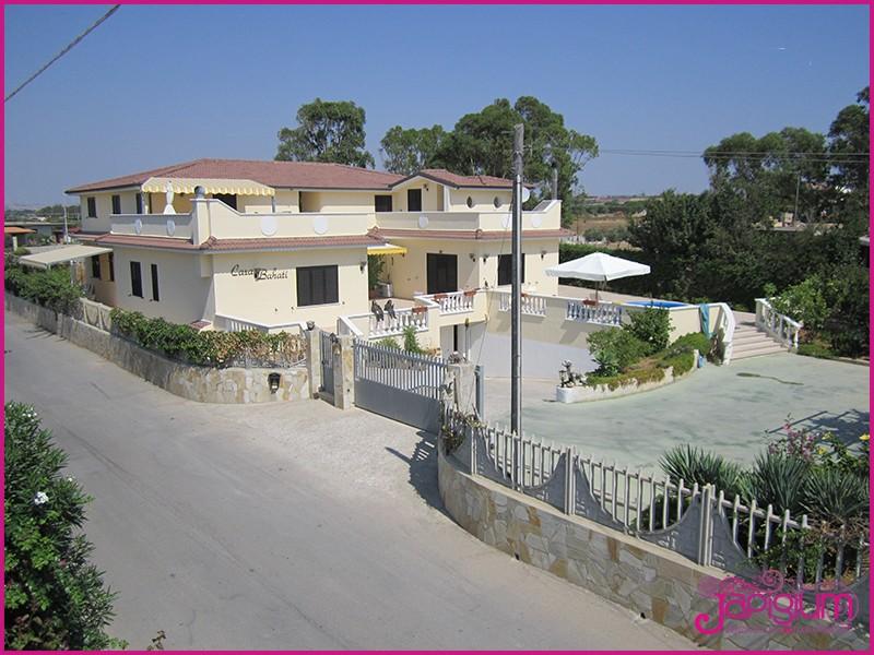 Ville in isola di capo rizzuto villa miranda juanita for Design di architettura casa sulla spiaggia