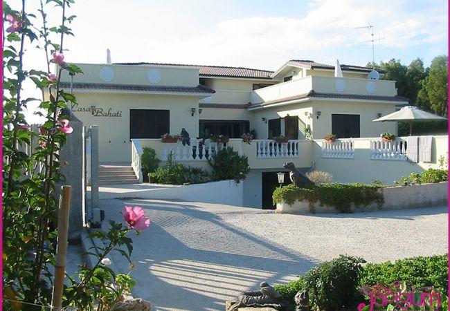 Villa a Isola di Capo Rizzuto - VILLA MIRANDA-JUANITA: AFFITTO CASE VACANZE CALABRIA