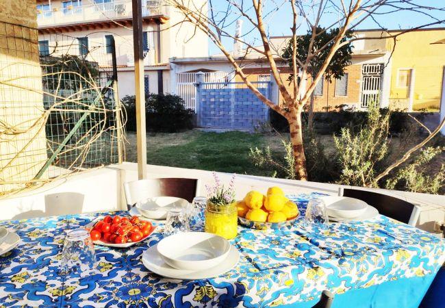 Appartamento a Isola di Capo Rizzuto - APPARTAMENTI VACANZE CALABRIA : Casa Vacanze Sauro
