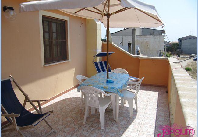 Appartamento a Isola di Capo Rizzuto - CAMINETTO MANSARDA: APPARTAMENTI VACANZE CALABRIA