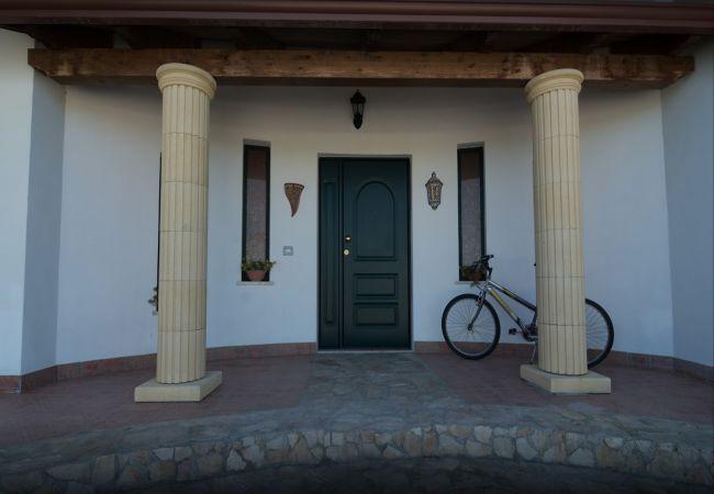 Villa a Isola di Capo Rizzuto - VILLA MARIA ANTONIETTA: AFFITTO ISOLA DI CAPO RIZZUTO