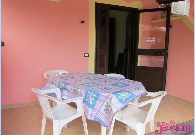 Villa a Isola di Capo Rizzuto - VILLA ROSSA SELENO BILO: CASE VACANZE CAPO RIZZUTO
