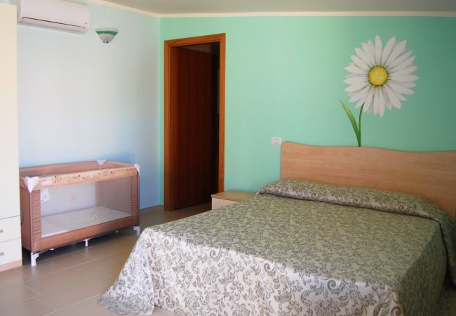 Affitto per camere a Isola di Capo Rizzuto - Tenuta Madre Terra | Camera Familiare Margherita