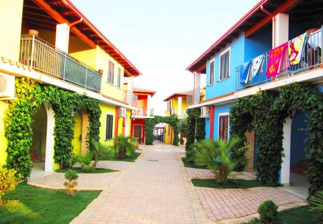Residence a Le Cannella - RESIDENCE I CAVALLUCCI APPARTAMENTI VACANZE CAPO RIZZUTO