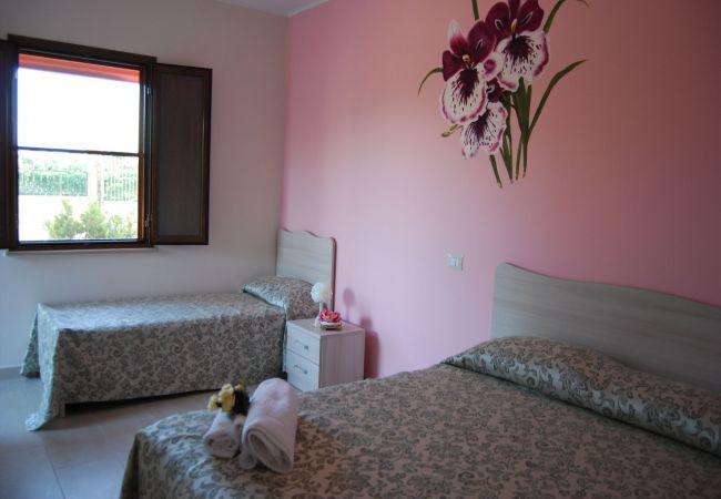 Affitto per camere a Isola di Capo Rizzuto - TENUTA MADRE TERRA | CAMERA ORCHIDEA